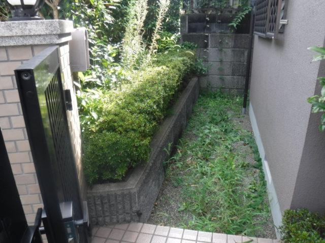 お庭の手入れ その3 施工前の様子